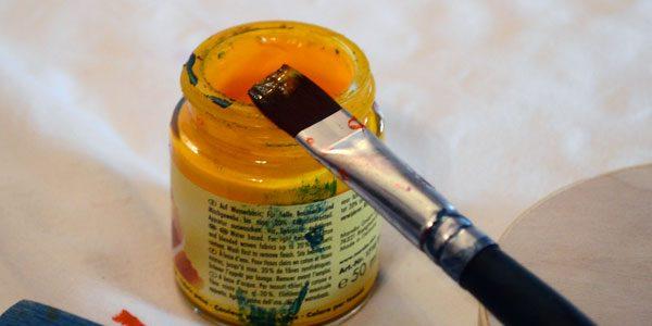 Farben und Pinsel Quellen